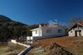 Вертикалното оформление е изпълнено, продължава изграждането на ограда на имота. Обект: Своге
