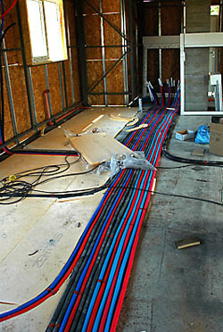 Полагане на отоплителна инсталация с тръбна разводка в пода