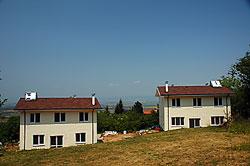 Монтирани са соларни инсталации за топла вода
